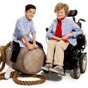 Tommy Hilfiger ใส่ใจสังคม พัฒนาเสื้อผ้าที่สวมใส่ง่ายสำหรับผู้พิการ